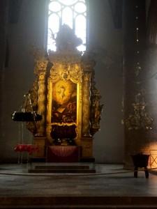 """Det blev ett besök i Sankt Nikolaus kyrka också. Passar ju med """"tomten"""" så här års!"""
