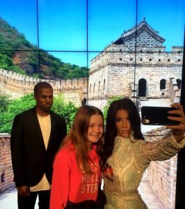 Kardashian (vem av dem det nu är)...