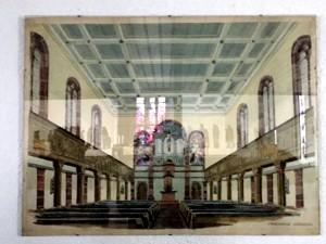 Så här såg det ut från början enligt en inramad tavla på väggen. Vanlig traditionell kyrka.