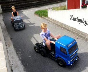 Började med att köra lite lastbil.
